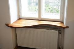 Einzelstuecke_Fensterbrett-aus-Nussholz-massiv-Oberflaeche-geoelt